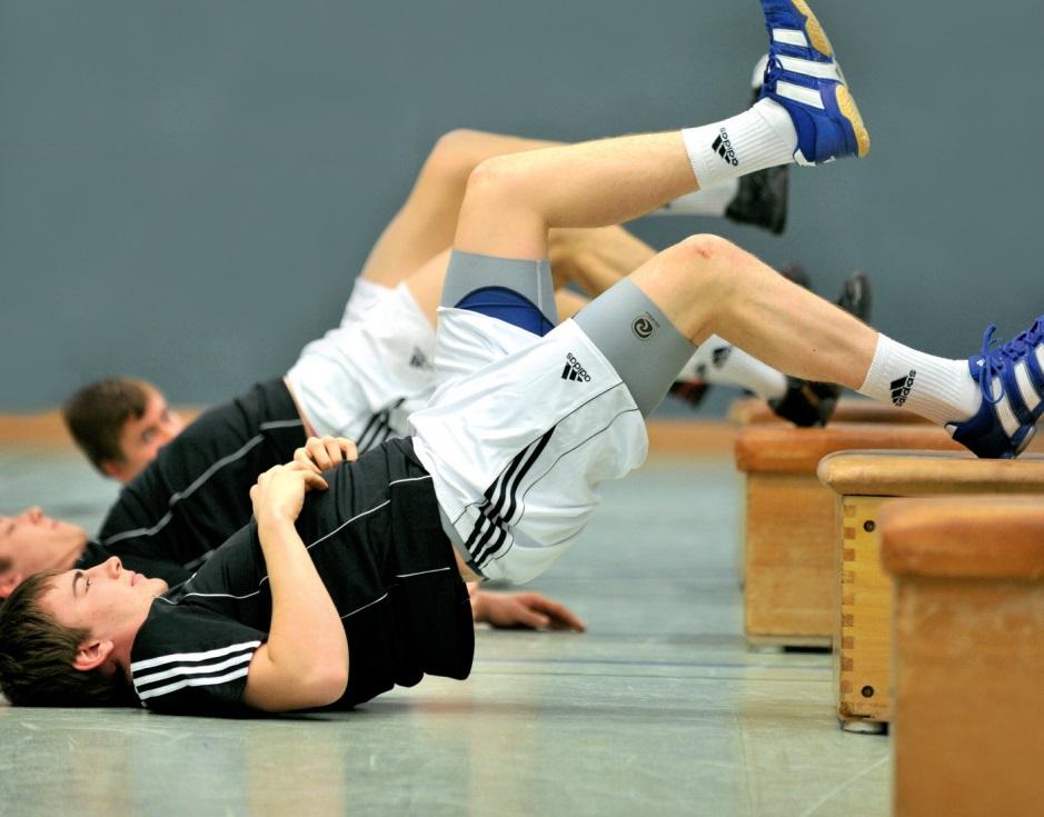 Kraft - Trainingsprogramme zur athletischen Ausbildung von Nachwuchsspielern im Mannschaftstraining